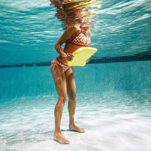 Aqua gym tabla natación