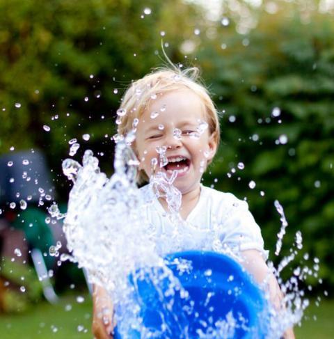 Diviértete con los mejores juegos de agua para niños