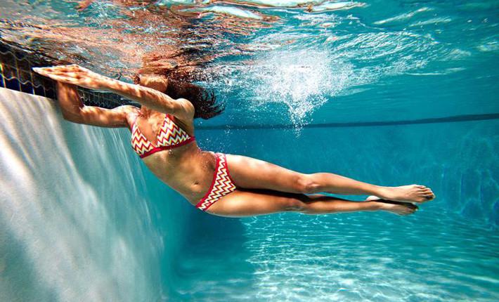Material de entrenamiento para piscinas momentos piscina for Material de piscina