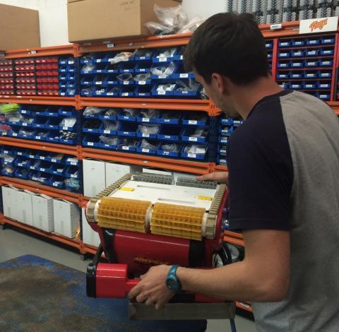 10 Razones por las que comprar un robot limpiafondos Dolphin