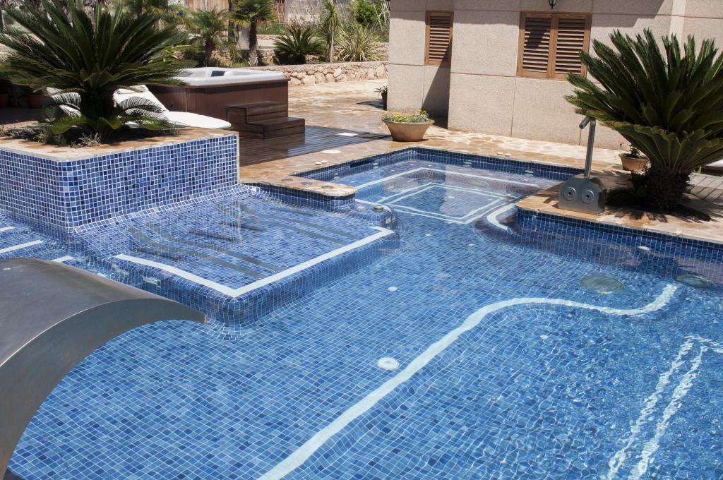 30652311 Qué tienes que saber antes de construir una piscina? - Momentos ...