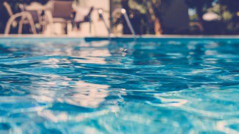 Cómo detectar una fuga en tu piscina