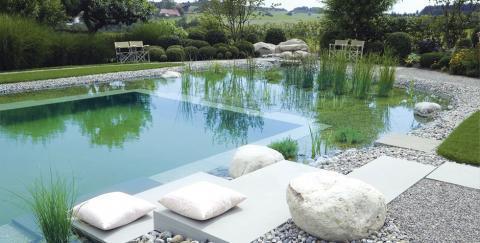 Una piscina sostenible y ecológica